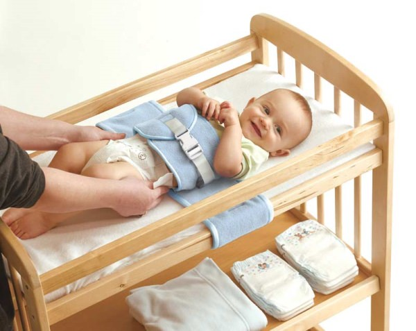 baby-changing-table-harness